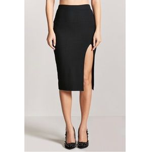 Pencil rubbed skirt